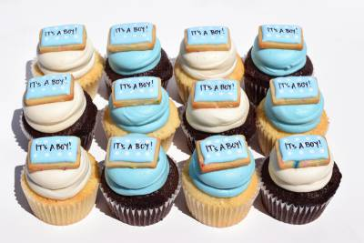 Enlarge photo of It's A Boy Gourmet Cupcakes Gift