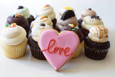 Enlarge photo of Love Cupcake Assortment with Love Cookie